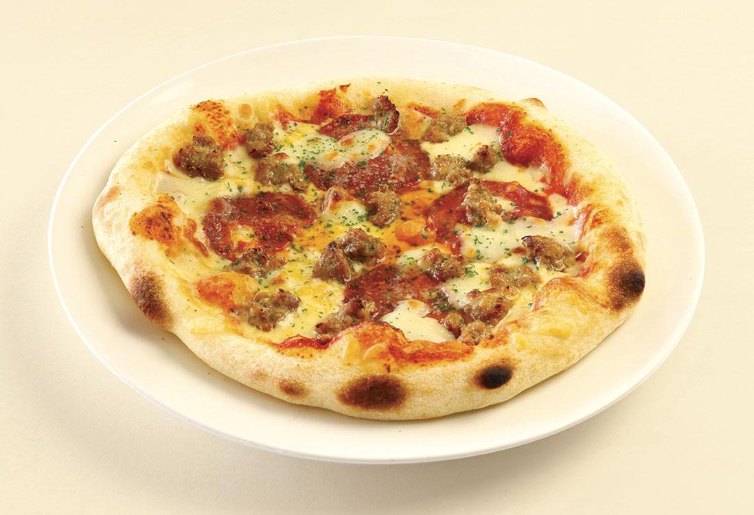 ピカンテサラミと皮なしサルシッチャのピッツァ
